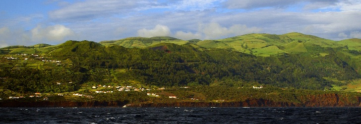 São Jorge is a long narrow island, which form is the result of a succession of volcanic eruptions