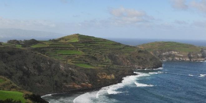 Sight of the Santa Iria belvedere - Azores Vacations