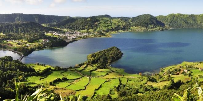 Sete Cidades Lake - Nature Vacations in São Miguel